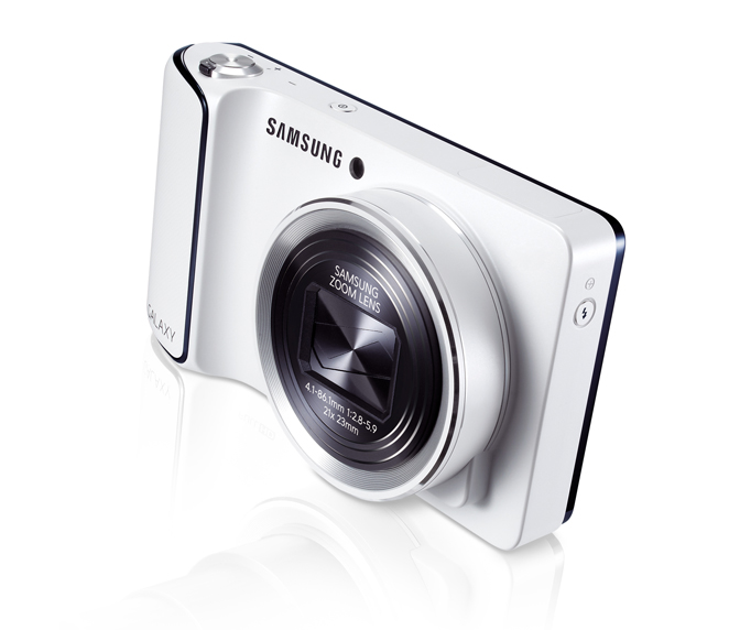 original 3 - La Galaxy Camera de Samsung arrive chez Future Shop!